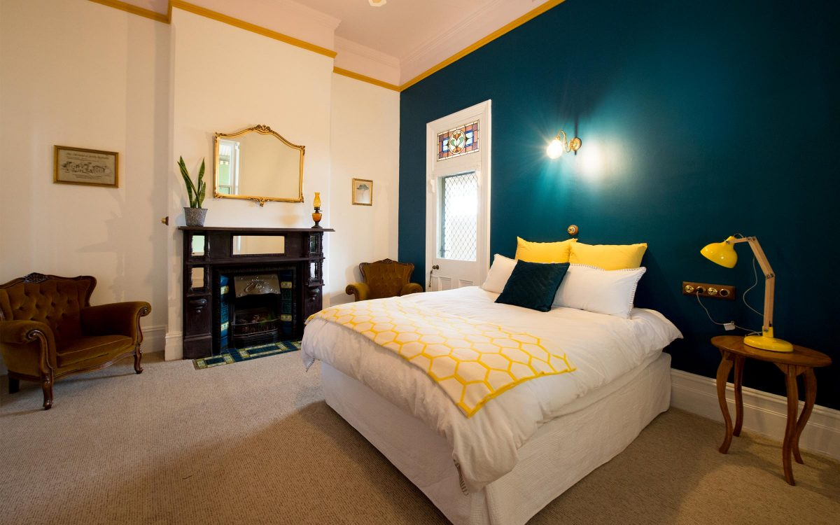 carn brae port pirie accommodation bedroom one